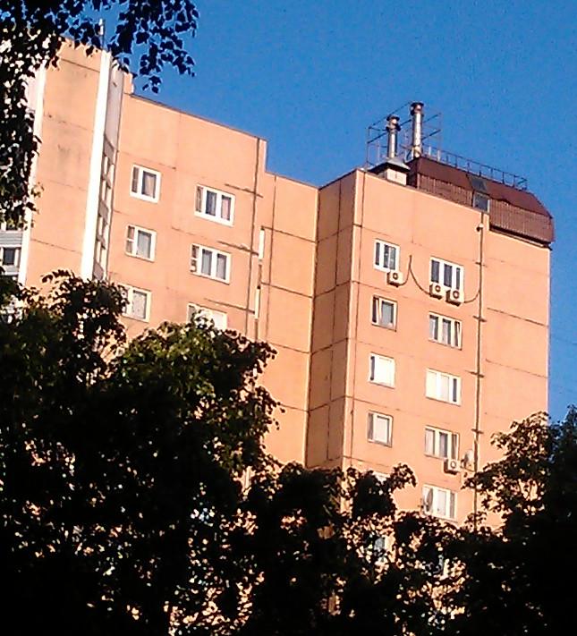 KotelnayaDomKrysha.png