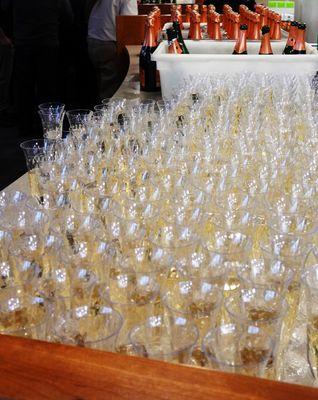 wineglasses2.JPG